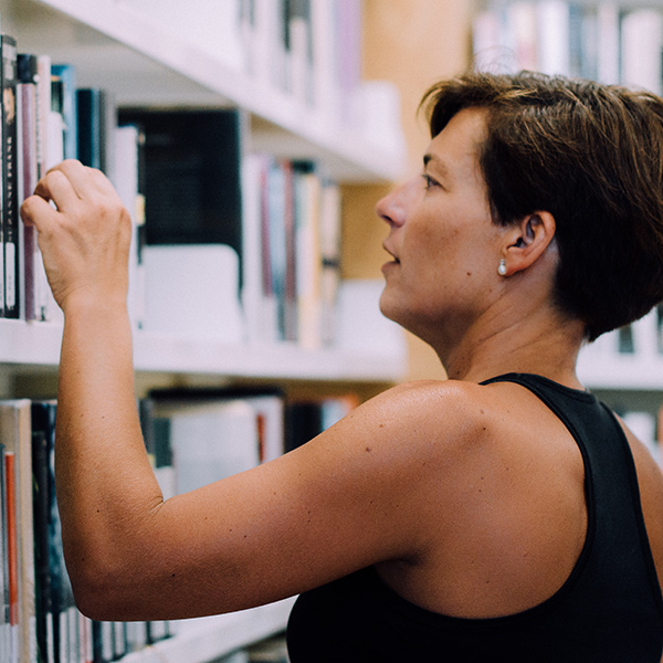 siliva-serra-contacontes-conferenciant-llibres-tallers-box01